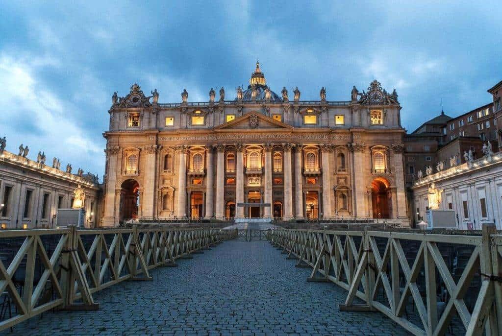 Foto: Piazza San Pietro a Roma