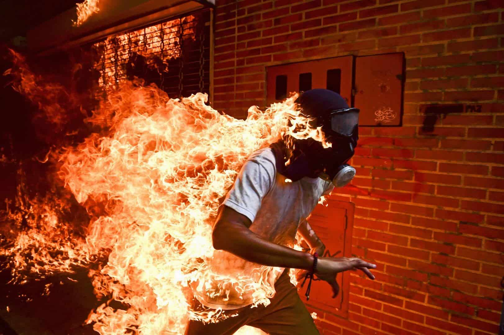 foto: Ronaldo Schemidt - Crisi in Venenzuela - (World Press Photo)