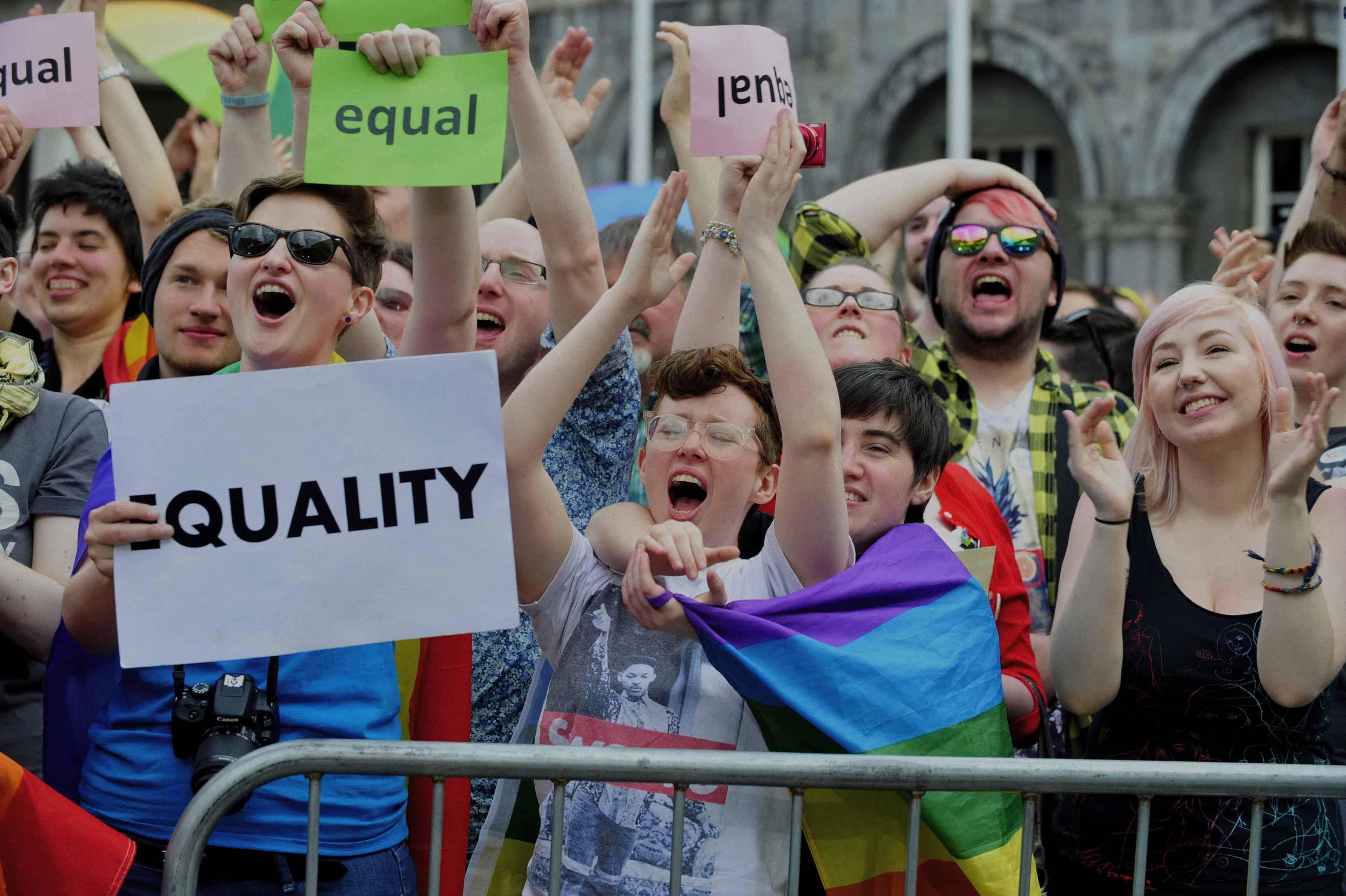 Foto: Esultanza vittoria referendum matrimonio omosex in Irlanda/ Foto: Aidan Crawley, EPA