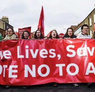 REFERENDUM IRLANDA: PRETI NON PRENDONO POSIZIONE, CONFONDONO I FEDELI
