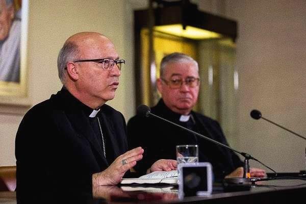 Foto: conferenza stampa in Roma di vescovi cileni (Daniel Ibanez/CNA)