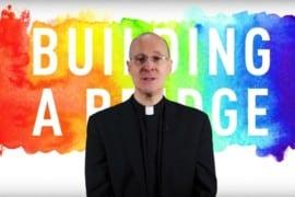 Padre James Martin, il gesuita che propone un ponte verso il nulla
