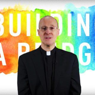 INCONTRO MONDIALE FAMIGLIE, VATICANO INVITA GESUITA SOSTENITORE LGBT