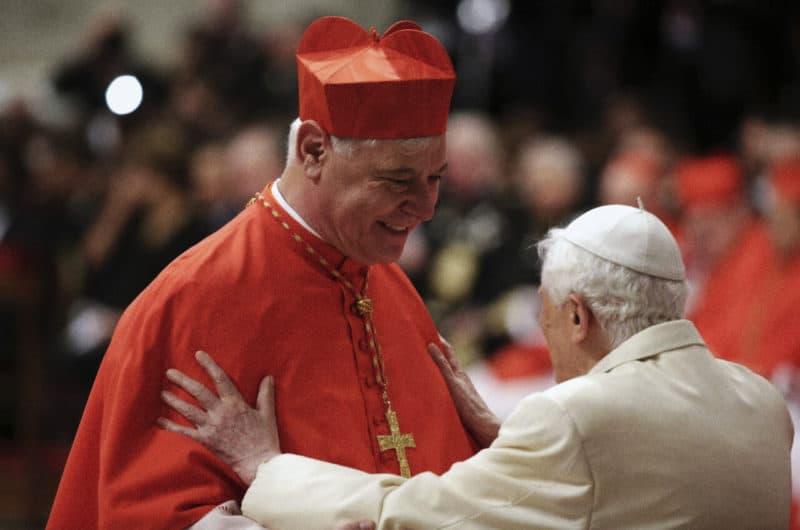 Foto: card. Gerhard L. Muller e papa Benendetto XVI.