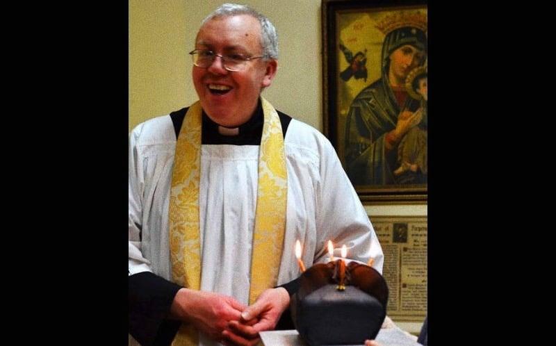 Foto: Padre Mark Morris licenziato dalla Glasgow Caledonian University