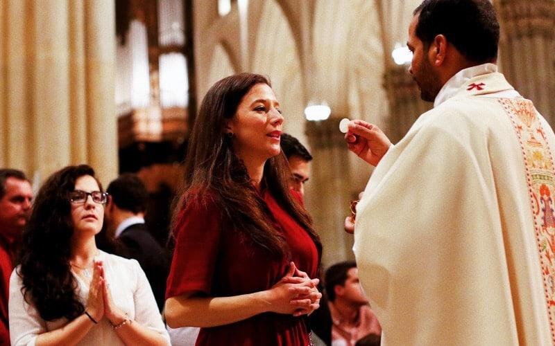 Foto: Comunione in chiesa