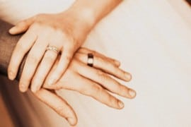 AGENZIA DEI VESCOVI IRLANDESI OFFRIRÀ CONSULENZA MATRIMONIALE  A COPPIE OMOSESSUALI