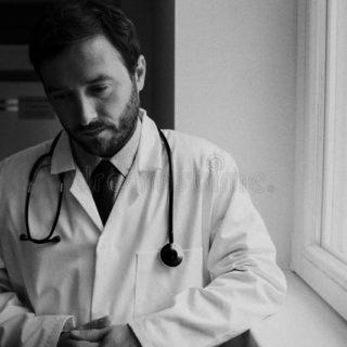 MEDICO CRISTIANO INGLESE NON ASSUNTO PER LA SUA CONVINZIONE SUL GENDER
