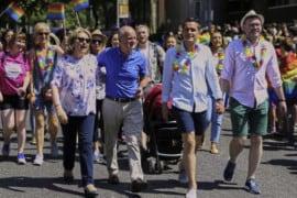 """Ex premier Irlanda: l'insegnamento della Chiesa cattolica sull'omosessualità è """"malvagio"""""""