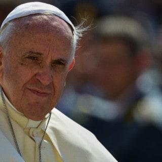 """Papa Francesco cambia il Catechismo: la pena di morte è """"inammissibile"""""""