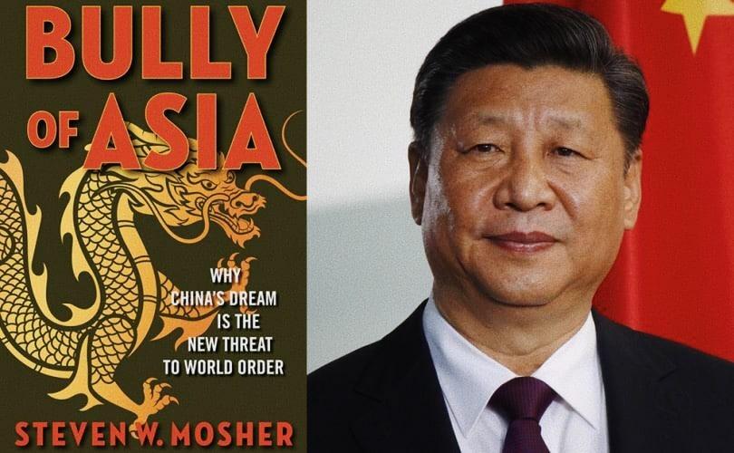 Foto: uno dei libri di Steven Mosher (a sinistra) e Xi Jinping, presidente della Cina