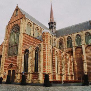 Accuse di abusi sessuali e insabbiamenti scuotono la Chiesa olandese