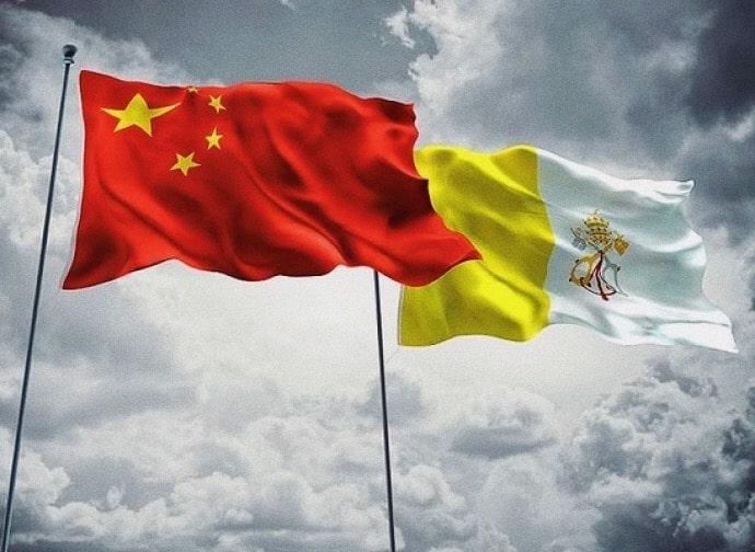 foto: bandiera della Santa Sede e della Cina