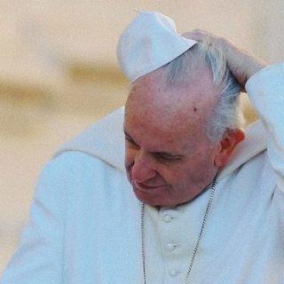 Sia sulla Cina che sulla crisi degli abusi, Papa Francesco fronteggia un deficit di fiducia