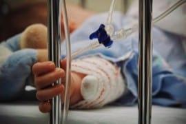 I medici propongono di uccidere i bambini malati secondo la nuova legge canadese sull'eutanasia