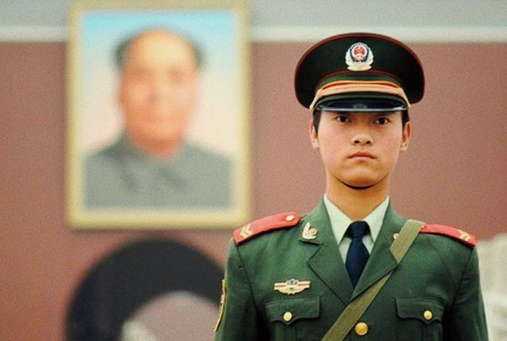 Foto: poliziotto cinese