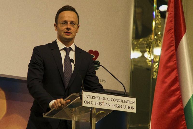 Il ministro degli esteri ungherese, Péter Szijjjjártó (Foto di Edward Pentin)