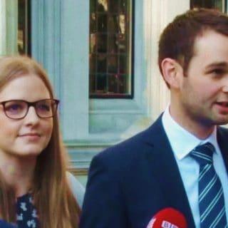 """VITTORIA: La Corte Suprema del Regno Unito si schiera all'unanimità a favore del rifiuto dei cristiani di preparare la torta """"del matrimonio"""" gay"""