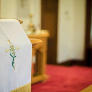 Dal pulpito ai banchi: predicare con chiarezza e carità sull'omosessualità