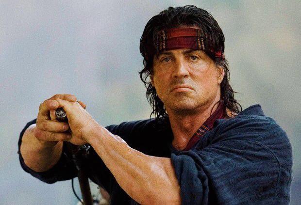 """L'attore Silvester Stallone nei panni di """"Rambo"""""""