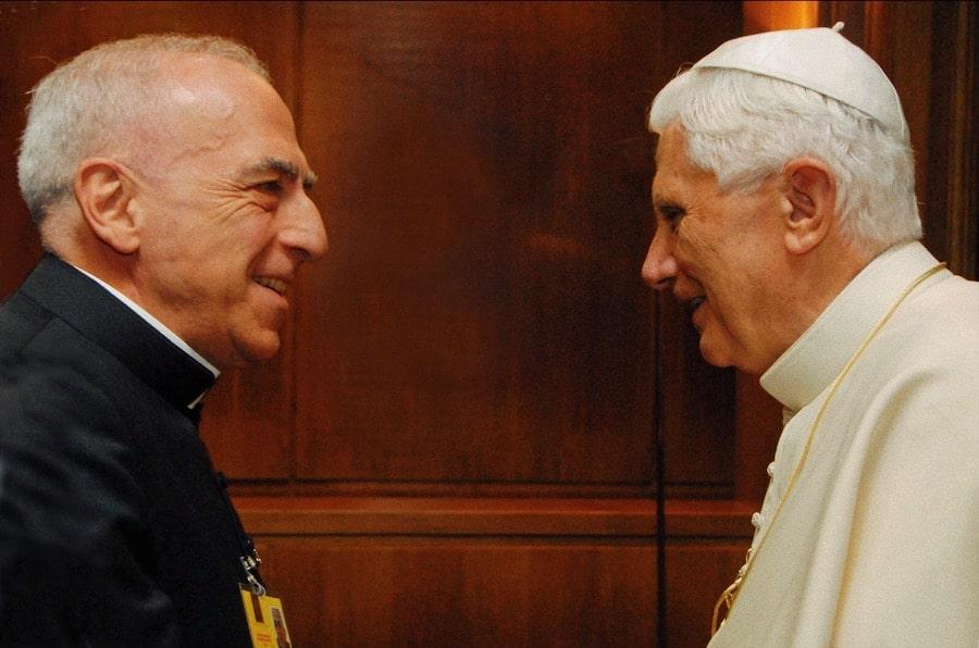 Foto: mons. Nicola Bux e papa Benedetto XVI