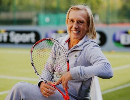 Navratilova, leggenda del tennis, lesbica, cacciata dalla sua associazione che promuove i valori LGBT perché accusata di transfobia