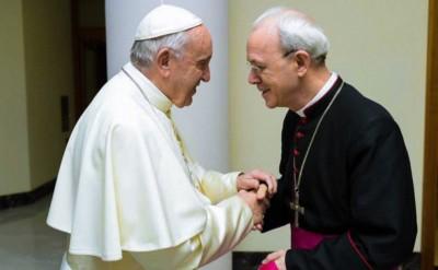 Papa Francesco e il vescovo Athanasius Schneider, ausiliare di Astana, Kazakistan