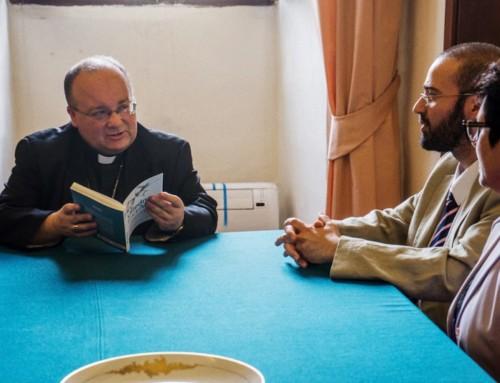 """""""Dio fa le persone 'gay'"""", dice un prete in un'intervista televisiva, facendo le veci dell'arcivescovo di Malta"""