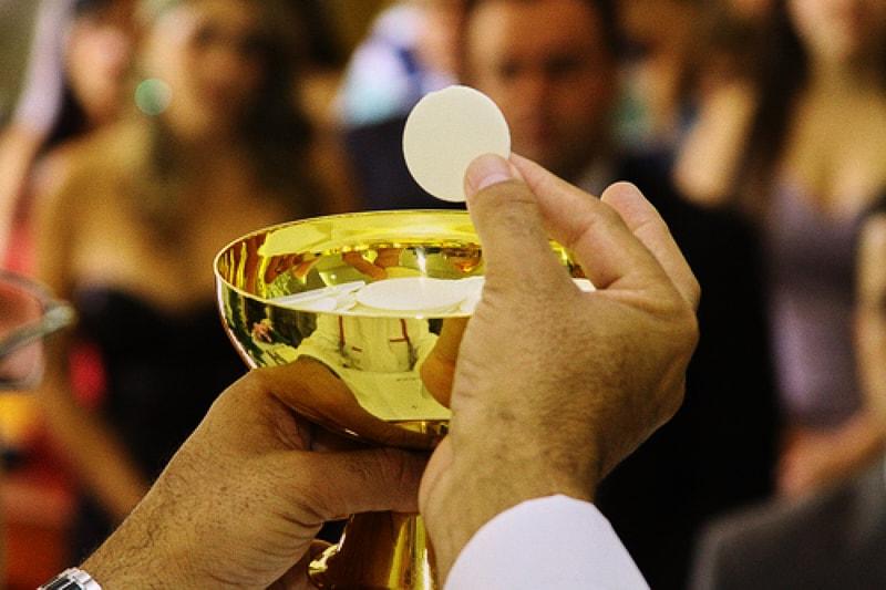 La Santa Eucaristia