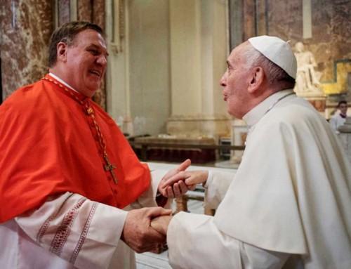 """Cardinale Tobin: Il linguaggio del catechismo sull'omosessualità è """"molto sfortunato"""""""