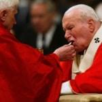 """Benedetto XVI: """"Dobbiamo fare tutto il possibile per proteggere il dono della Santa Eucaristia dagli abusi"""""""