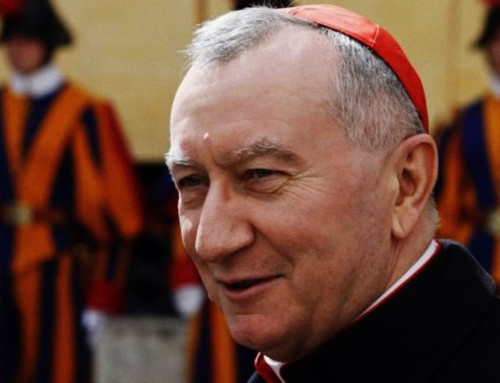 Il card. Parolin dice di aver organizzato un controverso prestito per un ospedale e una sovvenzione della Fondazione Papale USA