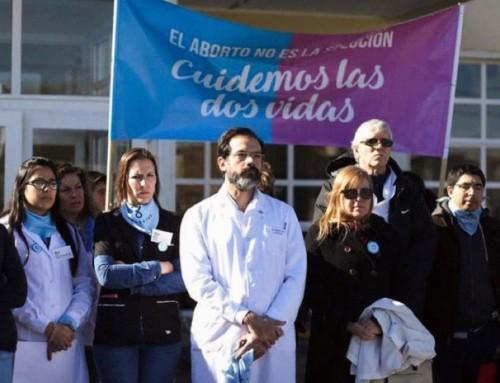 Argentina, condannato un medico per aver impedito un aborto e salvato un bambino, poi adottato