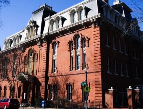 Il più antico liceo cattolico degli USA autorizza pubblicazione notizie LGBT e matrimoni gay ex studenti