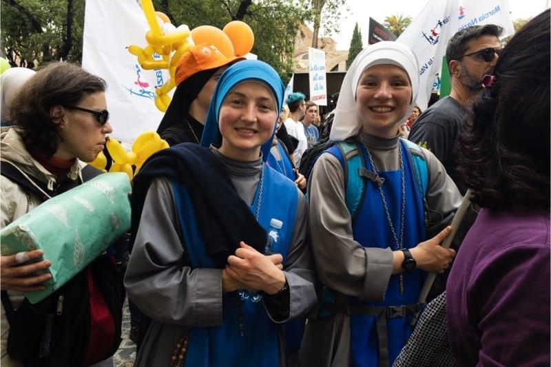 Marcia per la vita 2019, Roma, due suore pro life