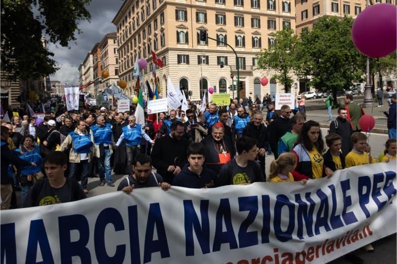 Marcia per la vita 2019, Roma, il card. Raymond Burke