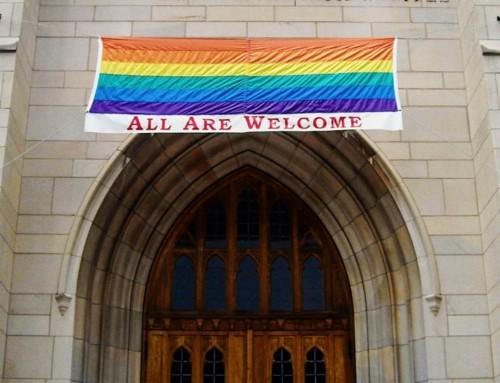 Alcuni cattolici accusano il programma scolastico per l'insegnamento di religione di essere contro la Dottrina: la diocesi invece lo difende