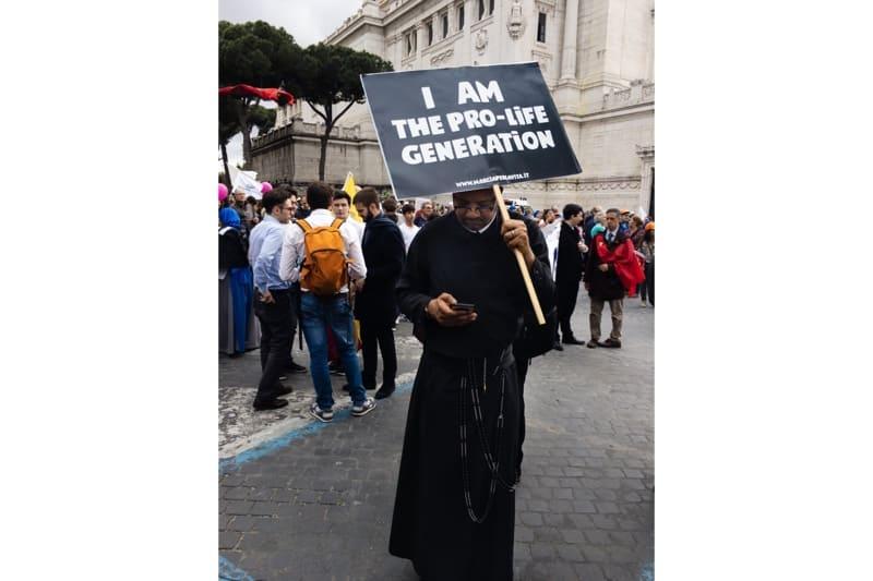 Marcia per la vita 2019, Roma, un sacerdote pro life