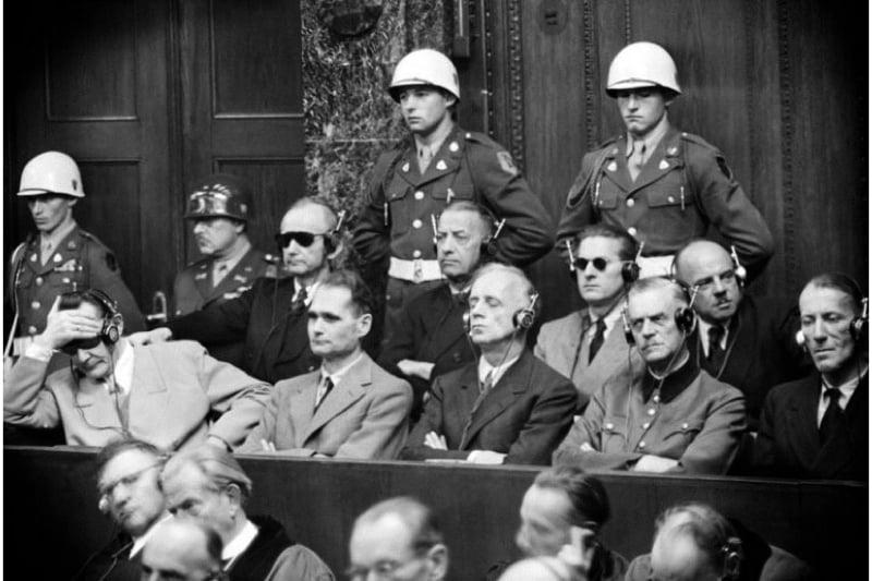 Processo di Norimberga crimini umanità
