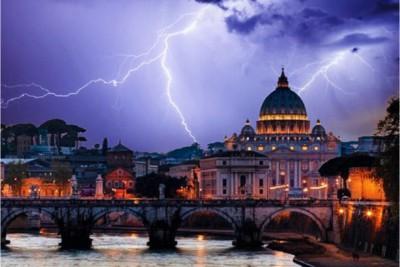 Fulmini su Roma e sulla Basilica di San Pietro