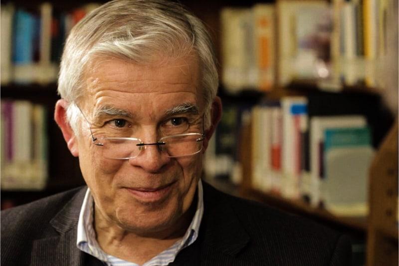 Prof. Berthold Wald, professore emerito di filosofia sistematica.