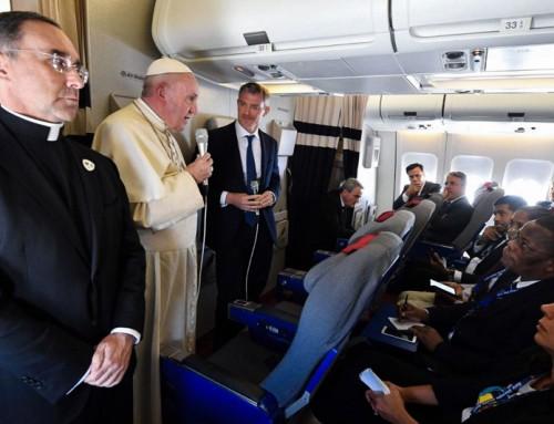TESTO INTEGRALE della conferenza stampa sul volo di ritorno dall'Africa