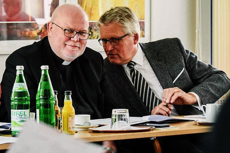 Cardinal Reinhard Marx ed il presidente del ZdK Thomas Sternberg