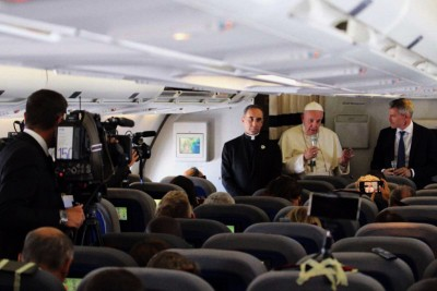 Papa Francesco di ritorno dall'Africa