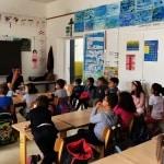 Francia, maestro di scuola elementare sospeso perché ha fatto leggere agli allievi alcune pagine della Bibbia