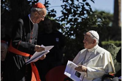 Cardinal Claudio Hummes e Papa Francesco (Credit: AP Photo/Alessandra Tarantino)