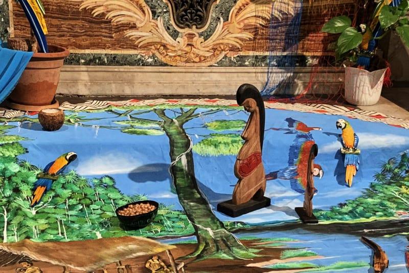 Figura femminile nuda amazzonica nella chiesa di Santa Maria in Traspontina - Roma