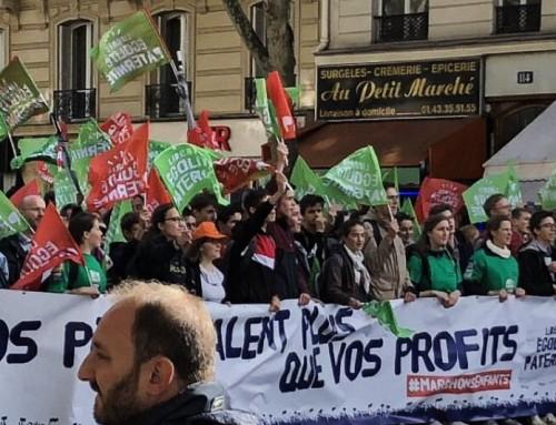 Mezzo milione marciano in Francia contro la legge che consente la procreazione artificiale alle lesbiche