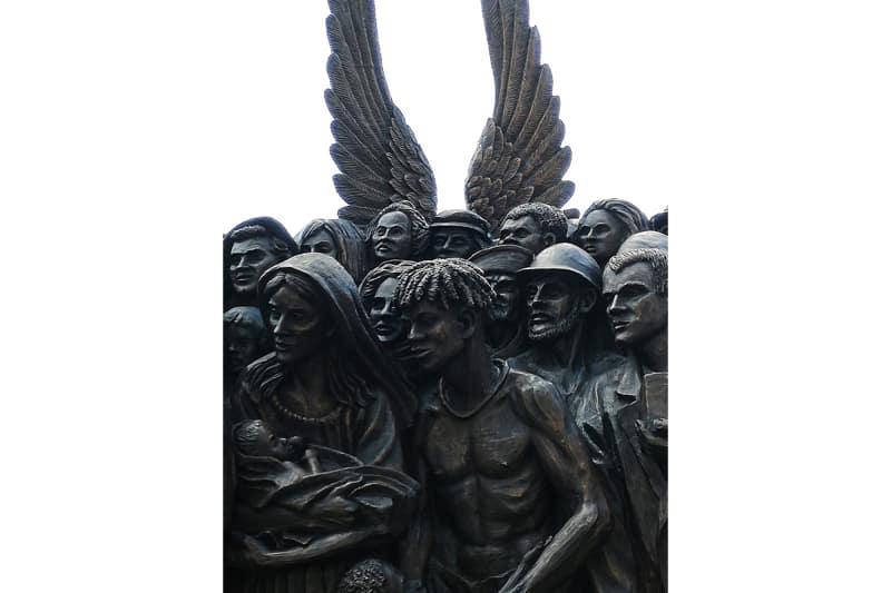 Monumento migrazioni 1 (foto Nicoletta Latteri)