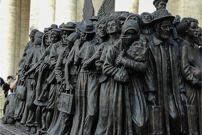 Monumento migrazioni 2 (foto Nicoletta Latteri)
